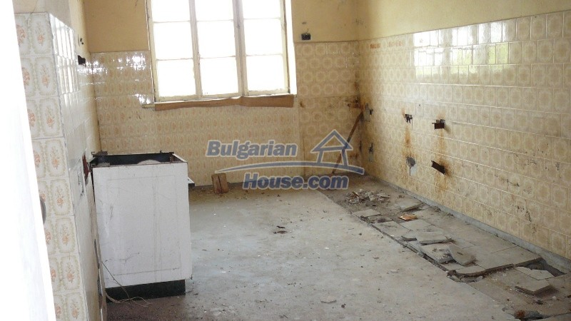 10431:50 - Fascinating Bulgarian property for sale near Kazanlak