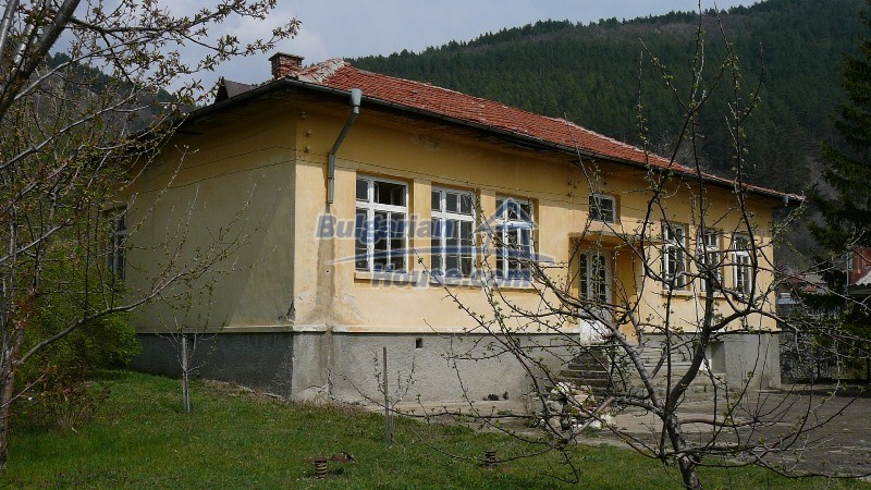 10431:64 - Fascinating Bulgarian property for sale near Kazanlak