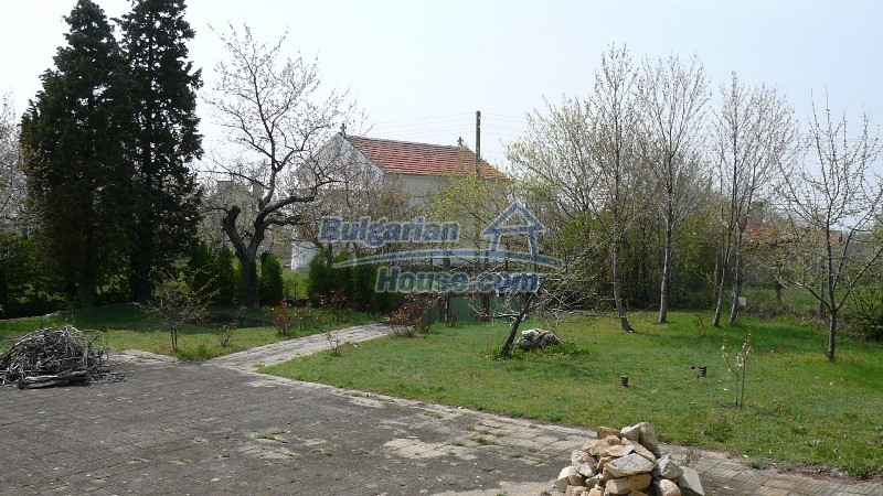 10431:60 - Fascinating Bulgarian property for sale near Kazanlak