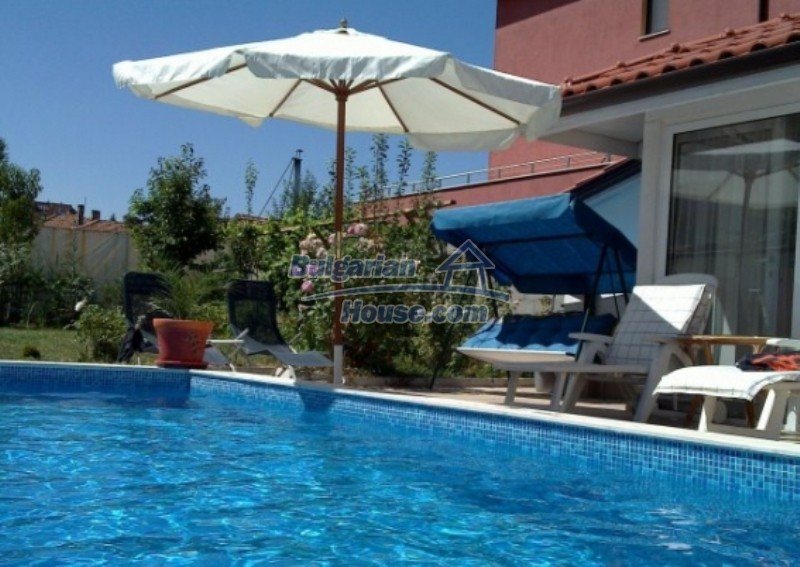 12022:4 - Gorgeous property with a swimming pool and a garden - Sofia
