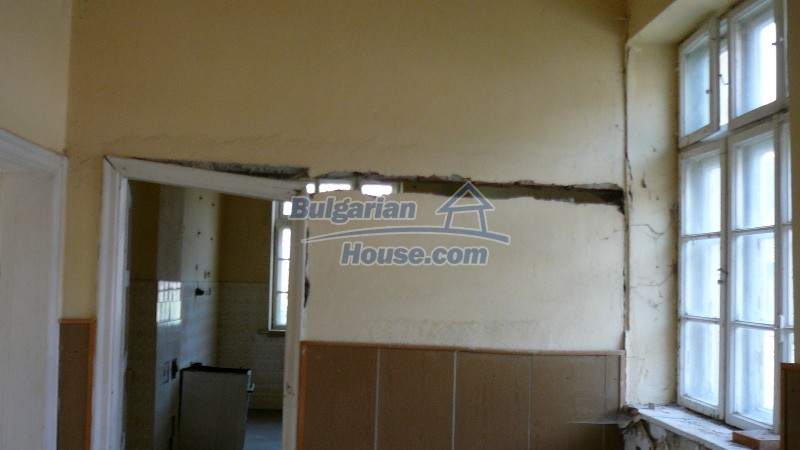 10431:59 - Fascinating Bulgarian property for sale near Kazanlak