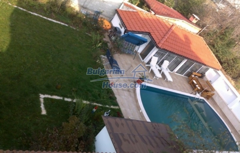 12022:3 - Gorgeous property with a swimming pool and a garden - Sofia