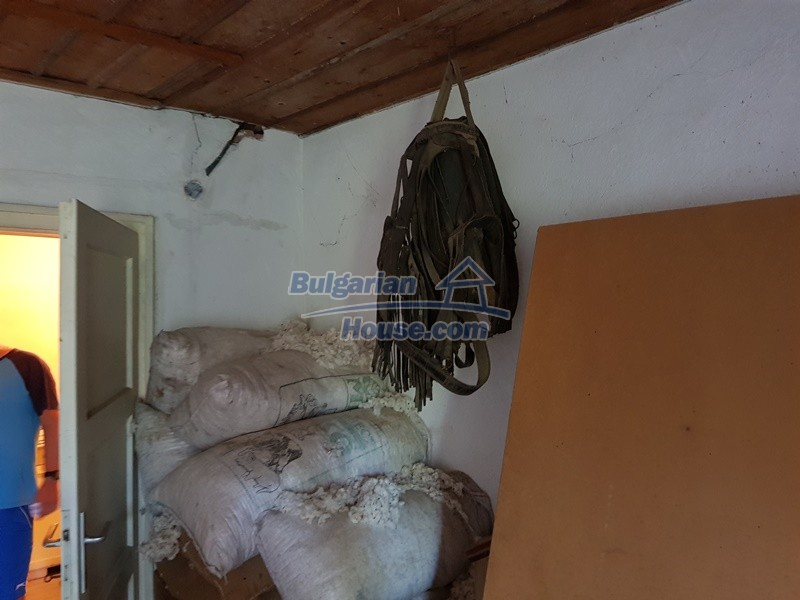 12766:34 - Cozy Bulgarian house for sale between Plovdiv & Stara Zagora