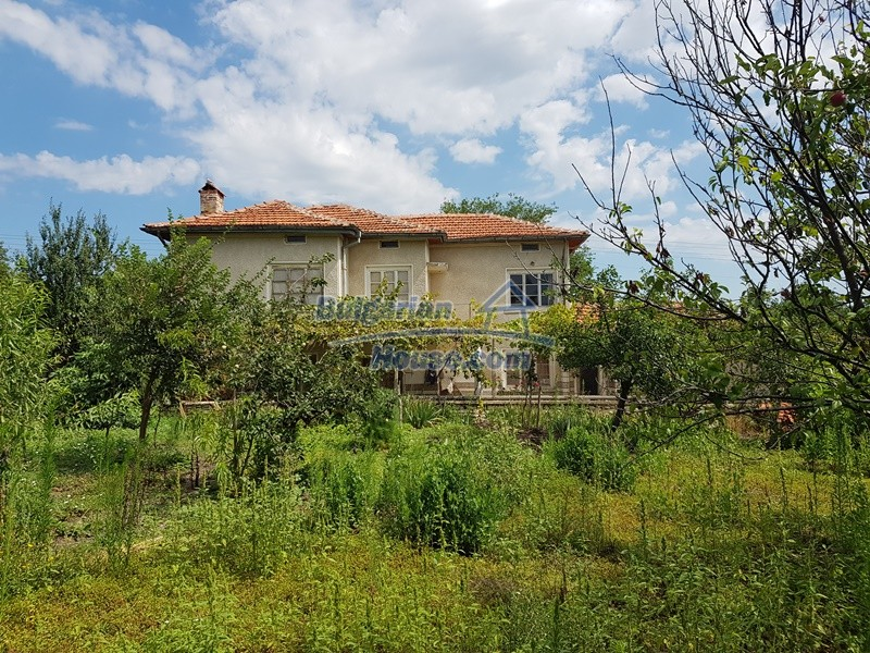 12766:38 - Cozy Bulgarian house for sale between Plovdiv & Stara Zagora