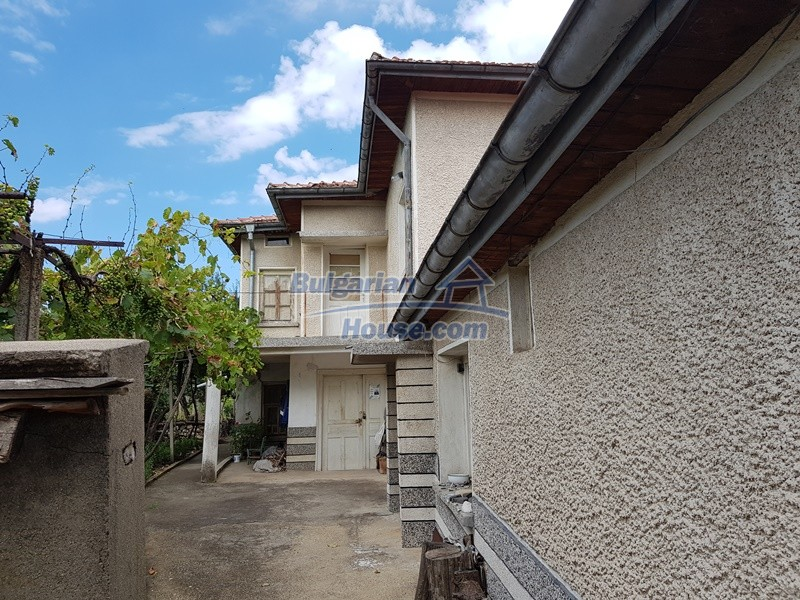 12766:45 - Cozy Bulgarian house for sale between Plovdiv & Stara Zagora