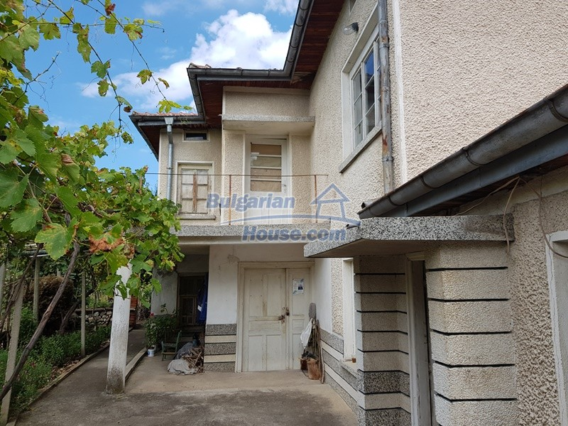 12766:46 - Cozy Bulgarian house for sale between Plovdiv & Stara Zagora