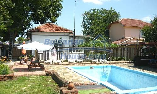 11847:16 - Lovely furnished house with swimming pool near Danube River