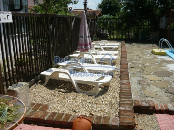 11847:13 - Lovely furnished house with swimming pool near Danube River