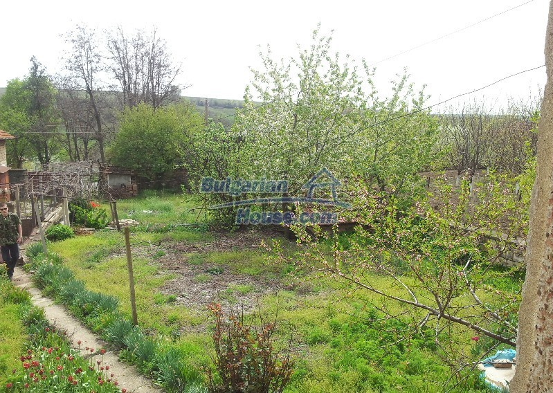12037:4 - Bargain house with a garden in Veliko Turnovo region