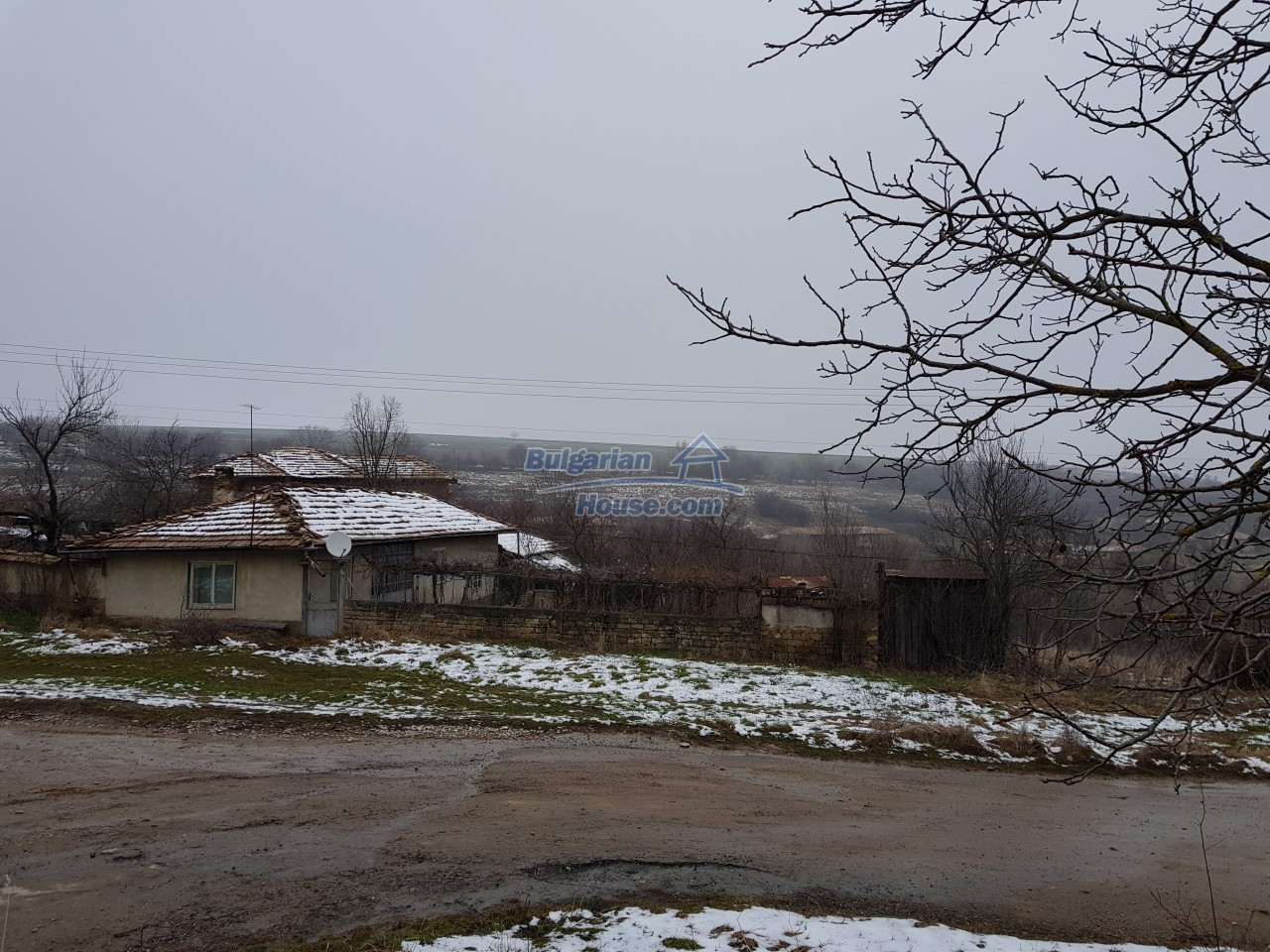 12715:35 - Cheap Bulgarian property for sale garden 2000sq.m Targovishte