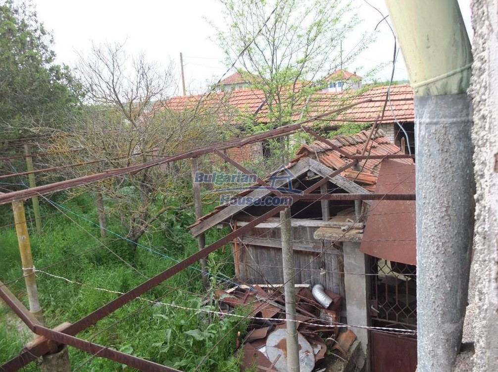 12643:46 - Property for sale 25km from the sea and 32 from Burgas