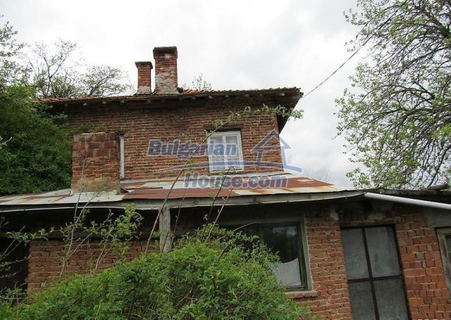 12728:5 - Bulgarian property for sale with marvellous views and big garden