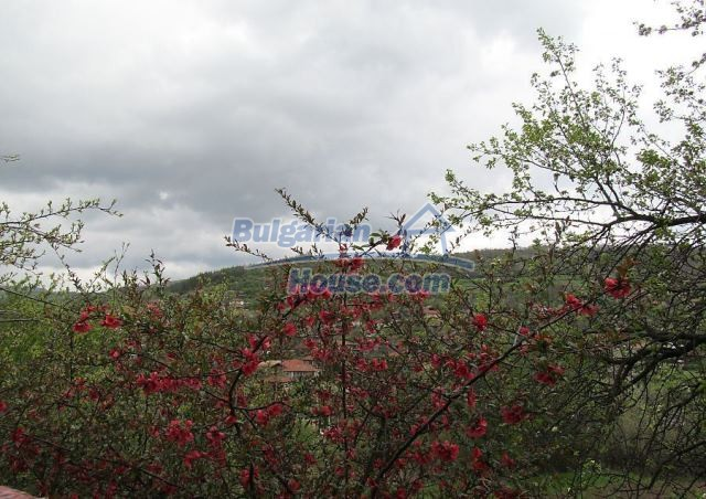 12728:7 - Bulgarian property for sale with marvellous views and big garden