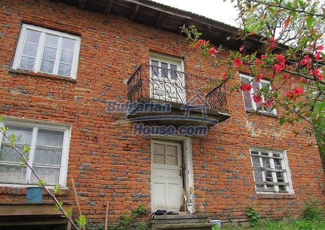 12728:1 - Bulgarian property for sale with marvellous views and big garden