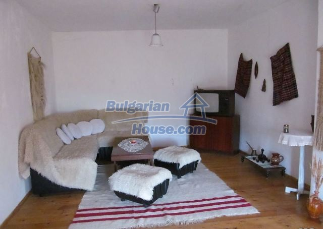 12728:3 - Bulgarian property for sale with marvellous views and big garden