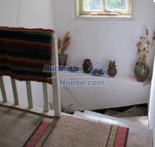 12728:10 - Bulgarian property for sale with marvellous views and big garden