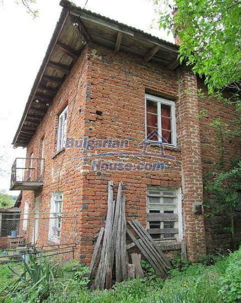 12728:4 - Bulgarian property for sale with marvellous views and big garden