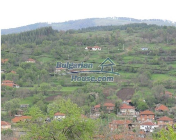 12728:11 - Bulgarian property for sale with marvellous views and big garden