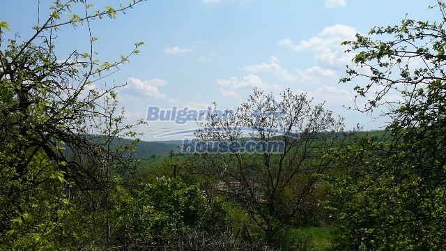 11067:22 - Cheap Bulgarian house for sale,stunning mountain views near lake