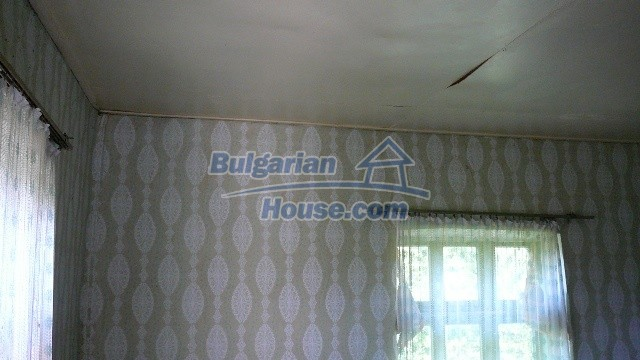 11067:13 - Cheap Bulgarian house for sale,stunning mountain views near lake