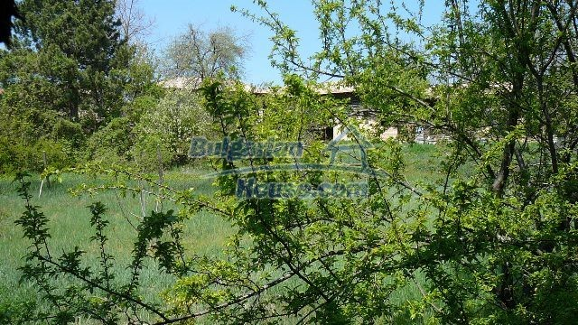 11067:18 - Cheap Bulgarian house for sale,stunning mountain views near lake
