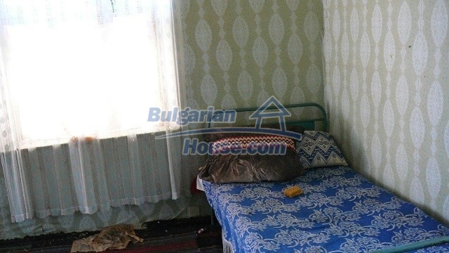 11067:17 - Cheap Bulgarian house for sale,stunning mountain views near lake