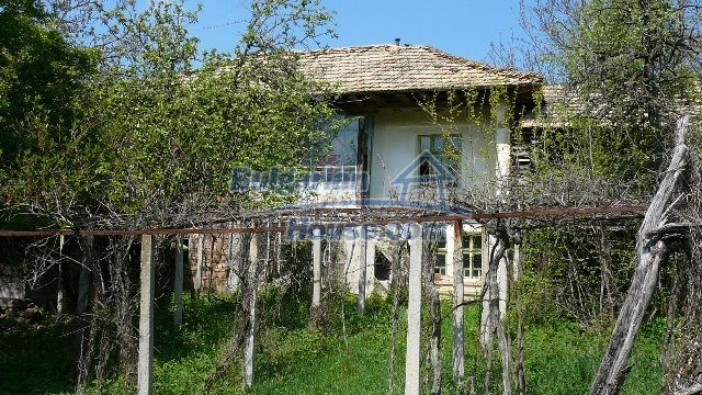 11067:8 - Cheap Bulgarian house for sale,stunning mountain views near lake