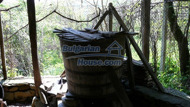 11067:26 - Cheap Bulgarian house for sale,stunning mountain views near lake