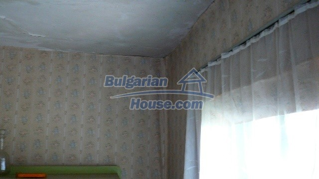 11067:19 - Cheap Bulgarian house for sale,stunning mountain views near lake