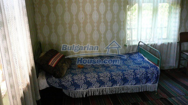 11067:14 - Cheap Bulgarian house for sale,stunning mountain views near lake