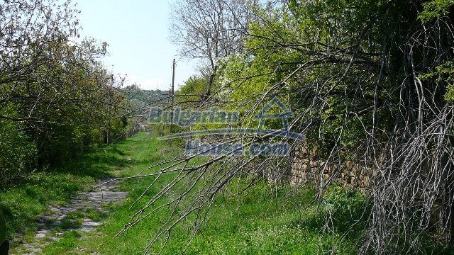 11067:31 - Cheap Bulgarian house for sale,stunning mountain views near lake