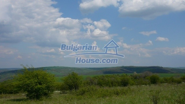 11067:32 - Cheap Bulgarian house for sale,stunning mountain views near lake