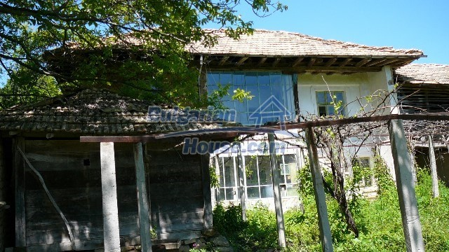11067:37 - Cheap Bulgarian house for sale,stunning mountain views near lake