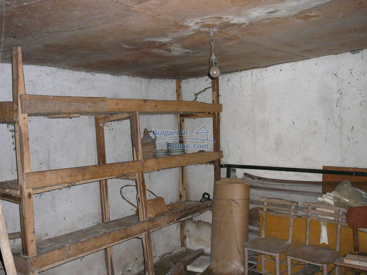 12527:52 - House  in good condition Stara Zagora region 55km to Plovdiv