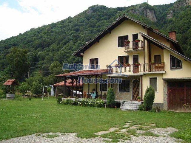 11111:3 - Rural house in a magnificent mountain, Lovech region