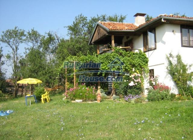 12769:5 - House for sale near Elena town with marvellous mountain views