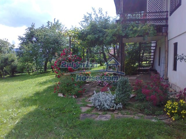 12769:20 - House for sale near Elena town with marvellous mountain views