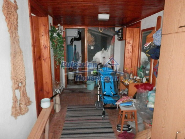 12769:18 - House for sale near Elena town with marvellous mountain views