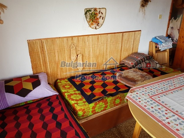 12769:43 - House for sale near Elena town with marvellous mountain views