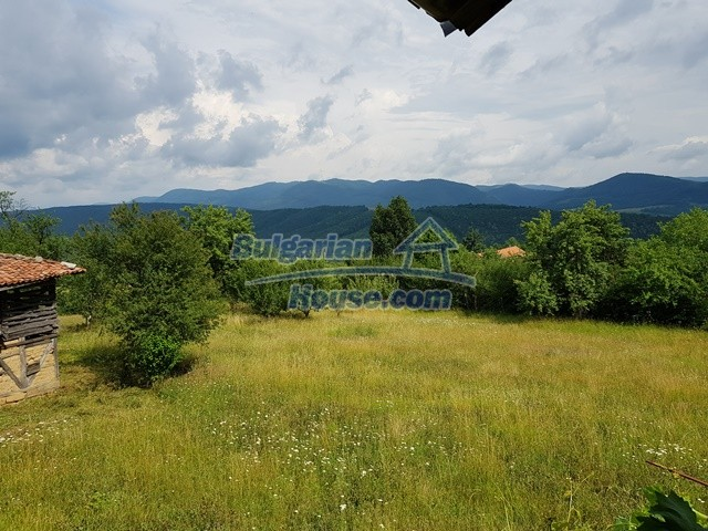 12769:54 - House for sale near Elena town with marvellous mountain views