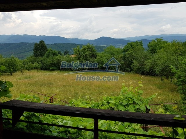 12769:48 - House for sale near Elena town with marvellous mountain views