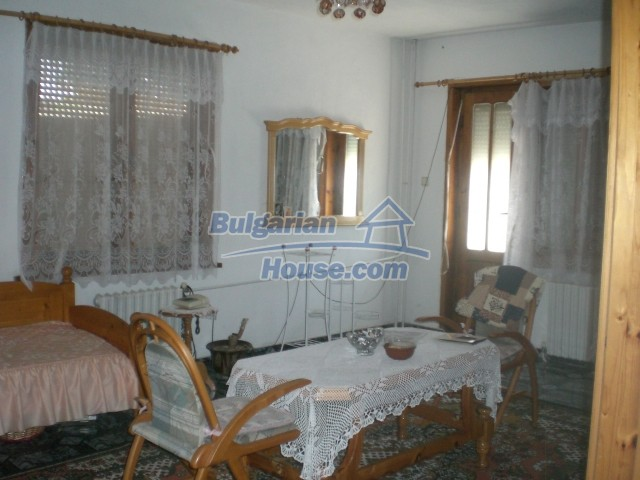 10568:7 - House near Kazanlak in Stara Zagora region,near lake,Aqua park
