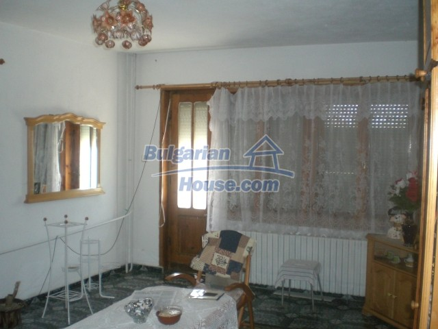 10568:9 - House near Kazanlak in Stara Zagora region,near lake,Aqua park