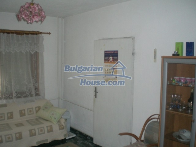 10568:13 - House near Kazanlak in Stara Zagora region,near lake,Aqua park