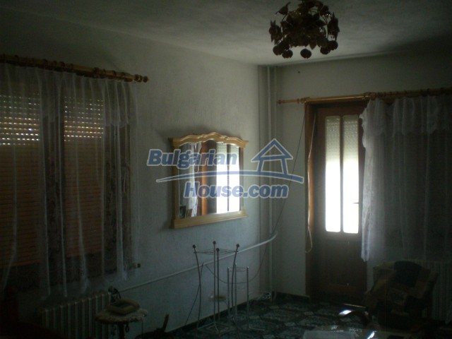 10568:10 - House near Kazanlak in Stara Zagora region,near lake,Aqua park