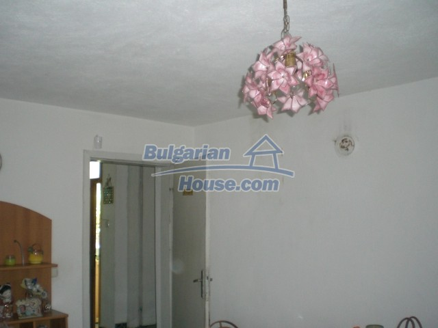 10568:17 - House near Kazanlak in Stara Zagora region,near lake,Aqua park