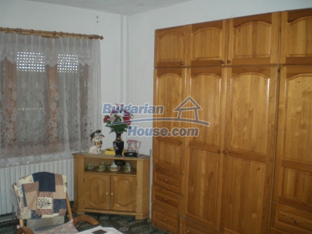 10568:11 - House near Kazanlak in Stara Zagora region,near lake,Aqua park