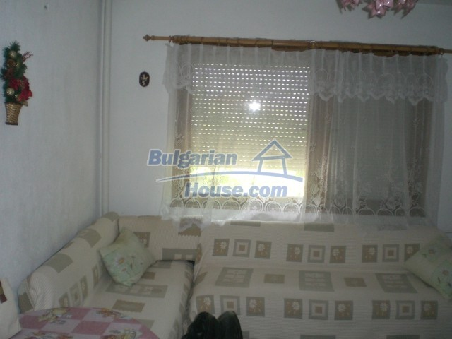 10568:14 - House near Kazanlak in Stara Zagora region,near lake,Aqua park