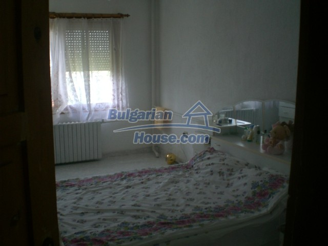 10568:40 - House near Kazanlak in Stara Zagora region,near lake,Aqua park