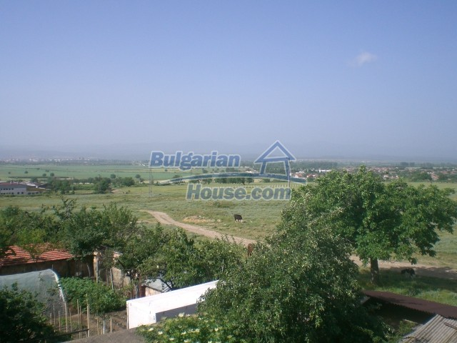 10568:38 - House near Kazanlak in Stara Zagora region,near lake,Aqua park